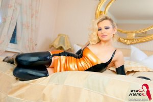 Aster high class escort in Uslar, NI