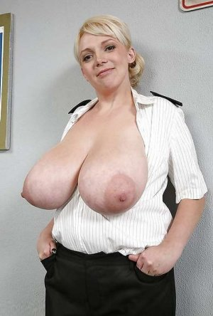 Tatiane domina escort in Neuried, BY